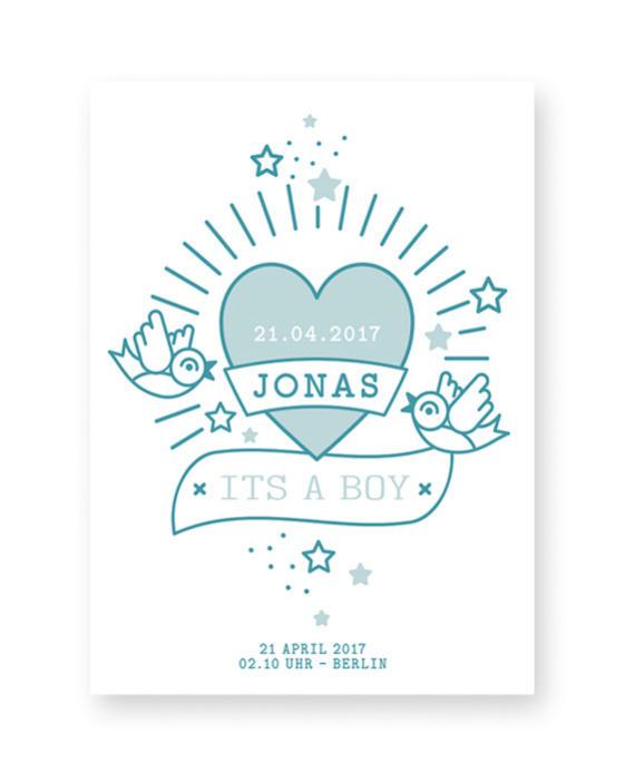 Babyposter mit einem Herz und 2 Vögeln im Tattoostyle und einen Texten und Namen