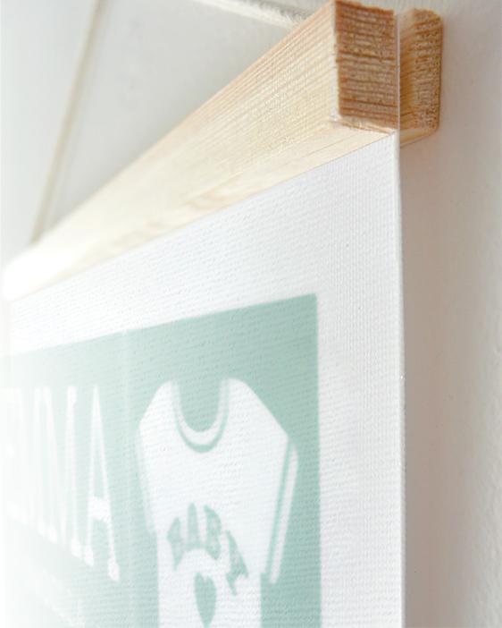 Personalisierter Leinwanddruck zur Geburt von Baby mit Holzleisten aus Kiefer und Aufhängung selbst gestalten | Printcandy