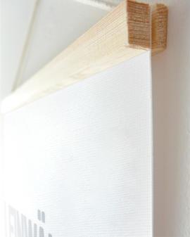 Personalisiertes Leinwandbild mit eigenem Text + Holzaufhängung selbst gestalten | Printcandy